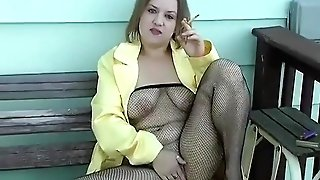 Smoking Fishnet Assets Stocking In Yellow - Alhana Winter - Antique Rs Fixation